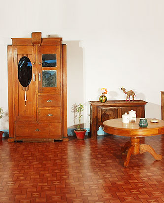 Antique Furniture Reion